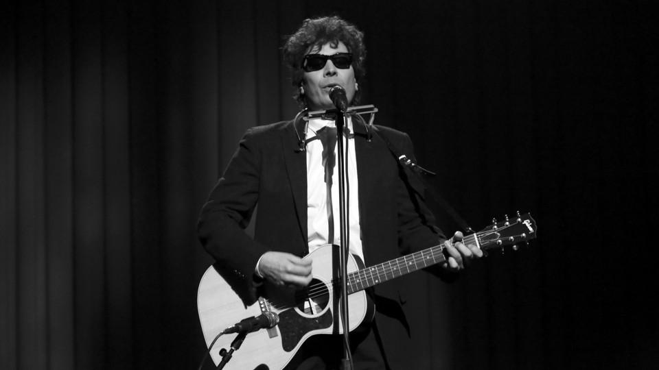 Jimmy Fallon dressed as Bob Dylan