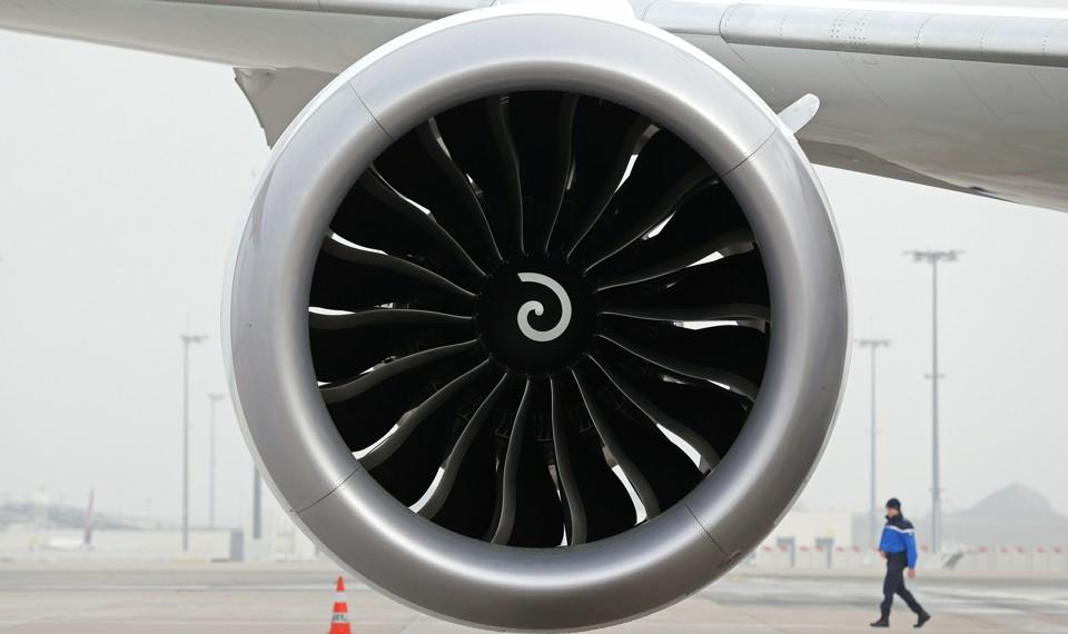 A turbofan on a Boeing 787