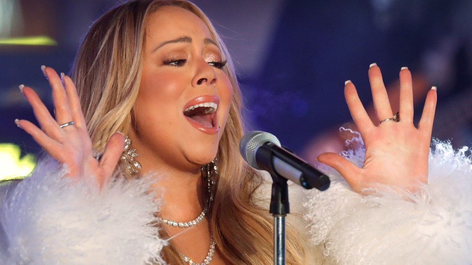 Mariah Carey sings for New Year's Eve 2018