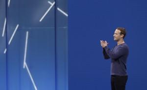 Mark Zuckerberg claps