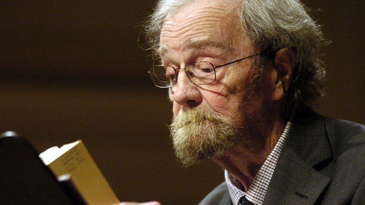 Donald Hall reads to a crowd at the Library of Congress