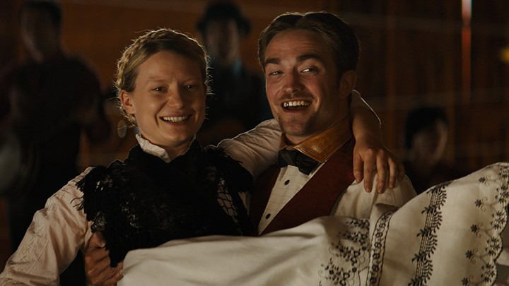 Robert Pattinson and Mia Wasikowska in 'Damsel'