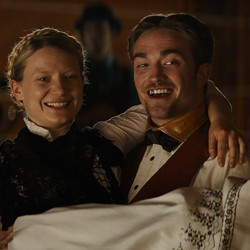 Robert Pattinson and Mia Wasikowska in 'Damsel'