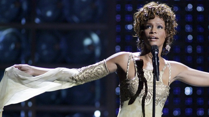 Whitney Houston performing at the World Music Awards in 2004