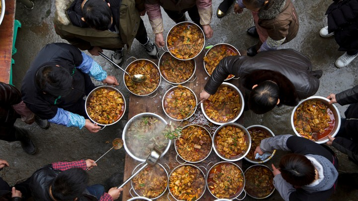 A bird's-eye view of an outdoor feast in China