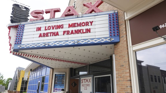 Trump Cant Even Honor Aretha Franklin Properly