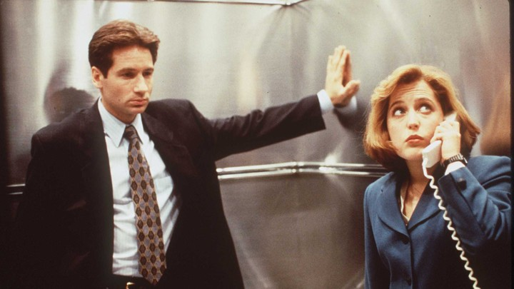 David Duchovny (left) and Gillian Anderson (right) in 'The X-Files'