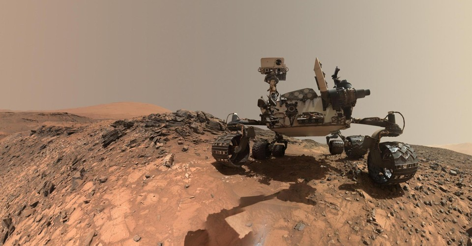 NASA's Beloved Mars Rovers Are Having a Rough Year