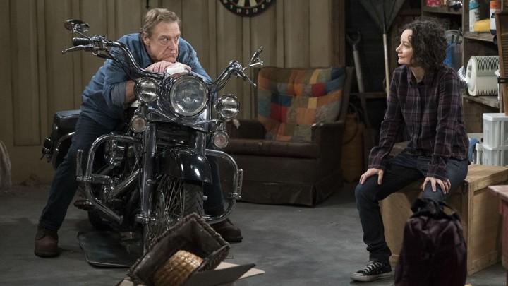 John Goodman and Sara Gilbert in 'The Conners'
