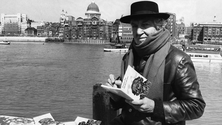 A New Robert Graves Biography Ignores His Greatest Work