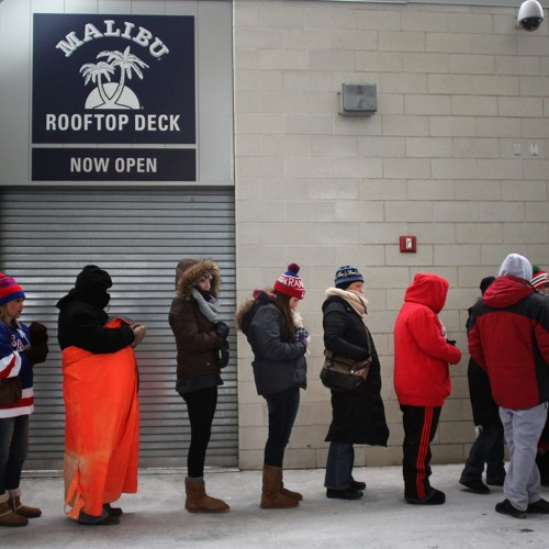 Why Women Have to Wait in Longer Bathroom Lines Than Men Do