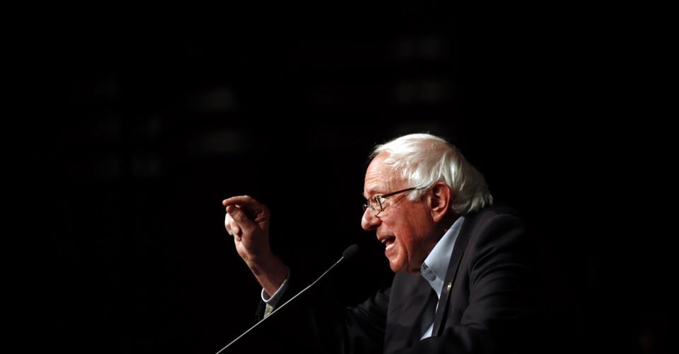 photo image Bernie Sanders Is Ready to Rumble