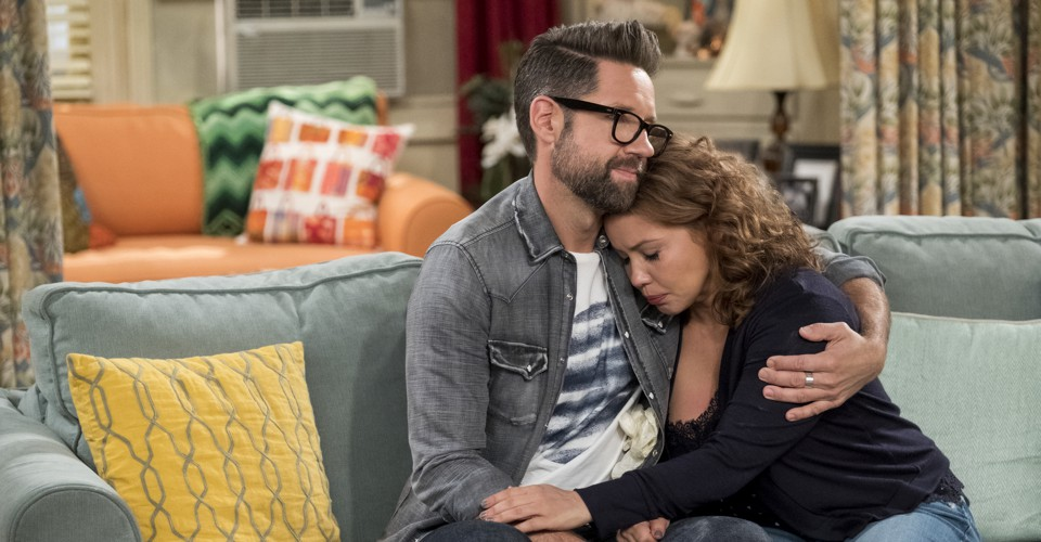 Netflix's 'One Day at a Time' Taught Fans About Loss - The