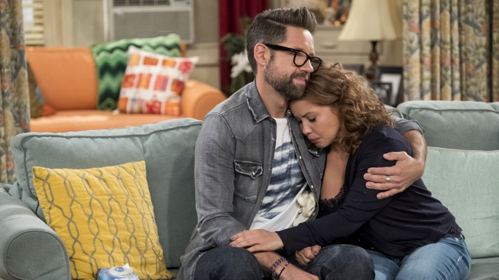 Sitcom That Dare Not Speak Its Real >> Netflix S One Day At A Time Taught Fans About Loss The Atlantic