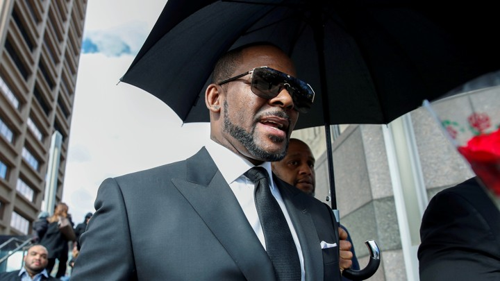 R. Kelly leaves the Cook County courthouse in Chicago.