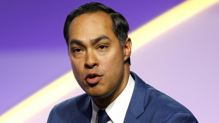 Julián Castro, a former Cabinet secretary, spoke at the NAACP's presidential-candidate forum in Detroit yesterday.