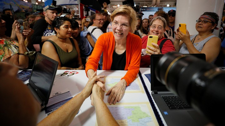 Elizabeth Warren greets people at the Iowa State Fair
