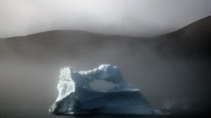 Kayak Tips: An iceberg