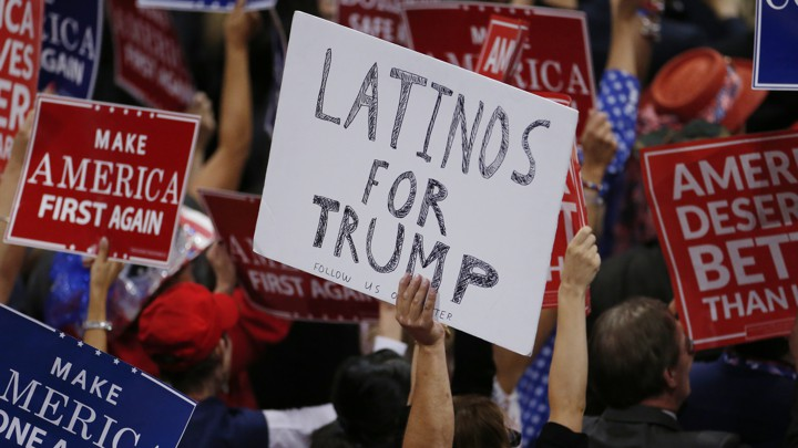 """""""Latinos for Trump"""" sign"""