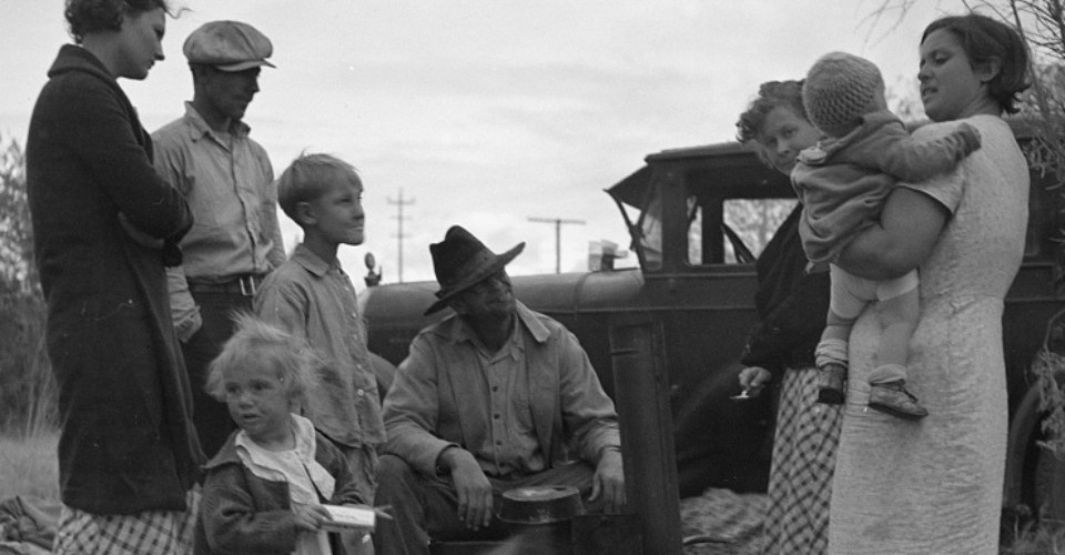 life during the great depression in the grapes of wrath The grapes of wrath, by john steinbeck was based on the joad family of tenet farmers from the 1930's who bet their chances to get a better life and decided to move to california little did they know what california held for them.