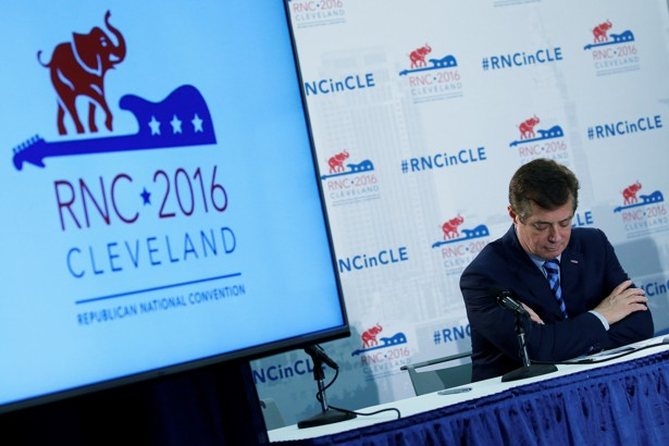 Ex-EPA heads under Republicans back Clinton