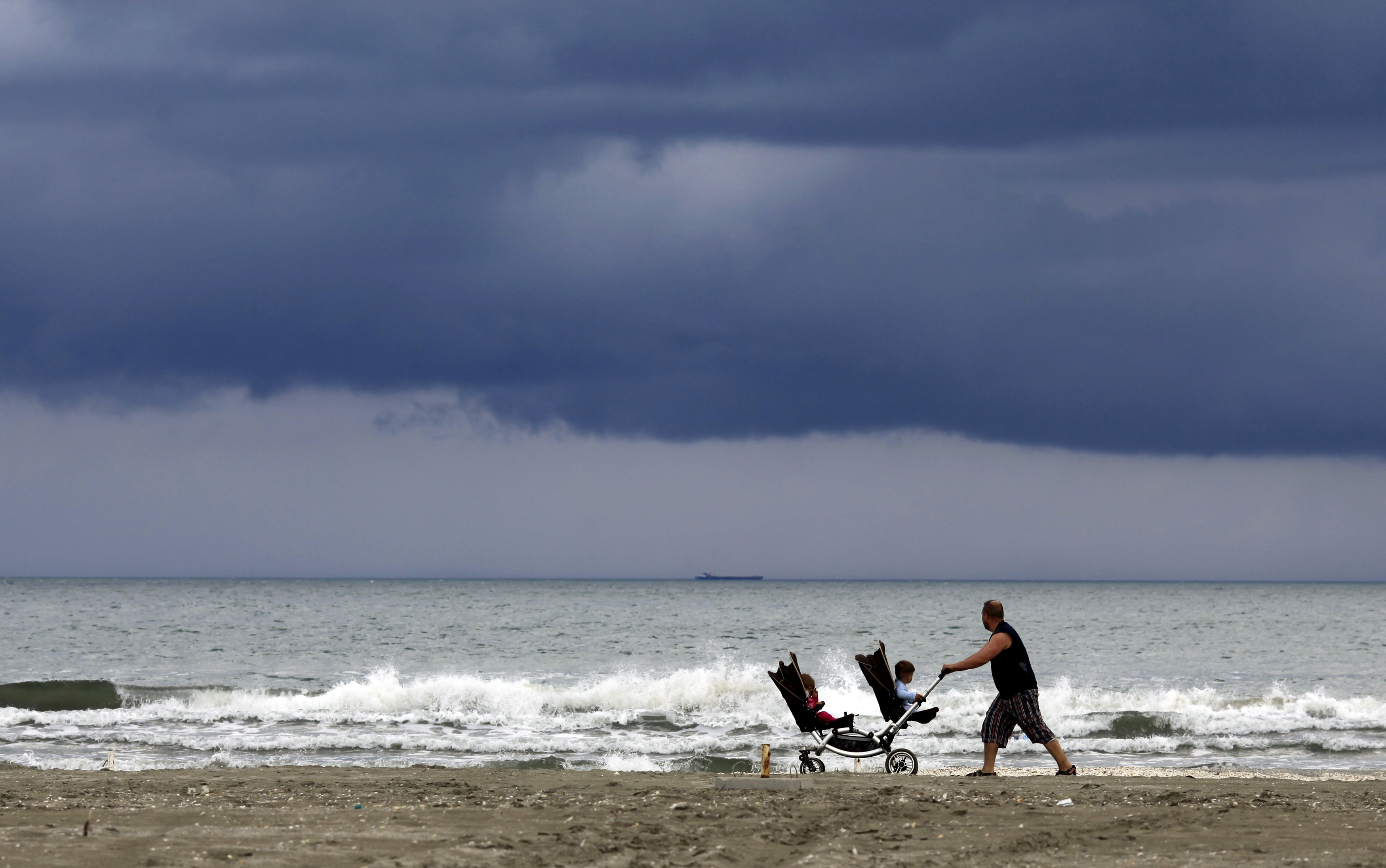 the loneliness of being a stay at home dad the atlantic