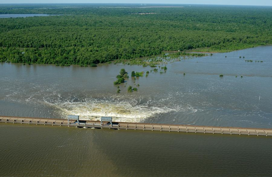 Mississippi Floodwaters Roll South - The Atlantic