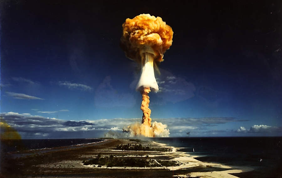 A photo of a nuclear bomb detonated by the French government at the Mururoa  atoll, French Polynesia. Original here. #