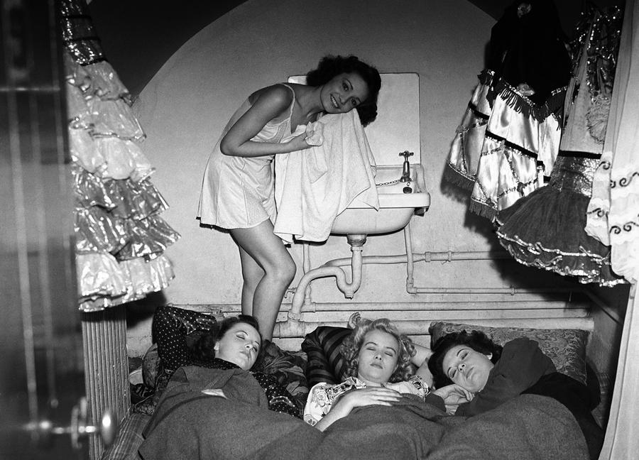 women in great britain in ww2 When the second world war began on 3 september 1939 it was feared that the germans would bomb british cities causing great loss of life  women in britain in the.