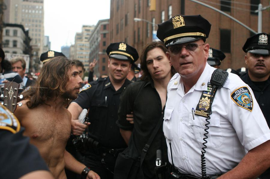 48244de7959 Police arrest a man in New York City