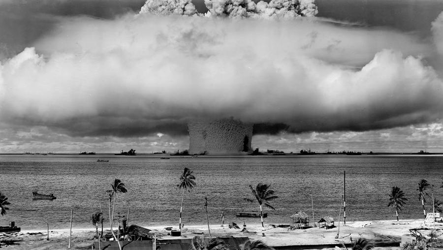 an analysis of the atomic bomb and its effects on post world war ii The exact death toll of the 1945 atomic bombings of hiroshima and nagasaki is not known reports say the total combined death toll of the cities is tuesday, august 21, 2018  world war ii may 2, 2016 lincoln  the atomic bombs were detonated in the sky, a little over 1,500 feet above the ground.