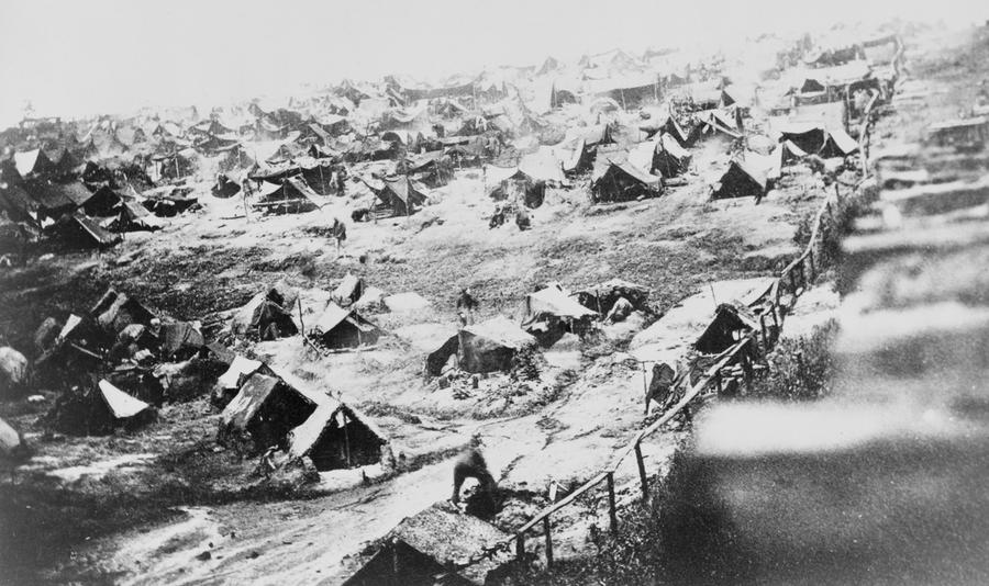 an overview of the infamous battle of antietam Kids learn about the battle of antietam during the civil war first major  famous  nurse clara barton was present at the battle taking care of wounded soldiers.