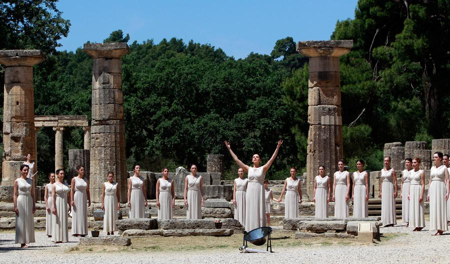 a role of temples in ancient greece In the ancient greek world, religion was personal, direct, and present in all areas of life with formal rituals which included animal sacrifices and libations, myths to explain the origins of mankind and give the gods a human face, temples which dominated the urban landscape, city festivals and national sporting and artistic competitions, religion was never far from the mind of an ancient greek.