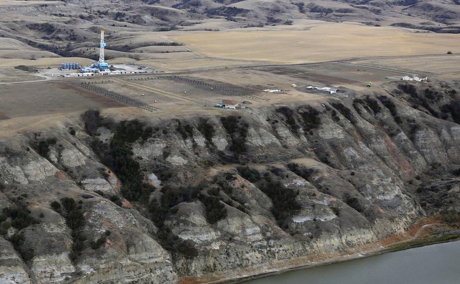 oil boom in north dakota North-american crude oil production unlike brent, north american crude production is up amid a shale oil revolution the oil boom in the middle east has led to great economic growth making some arabian nations to become more westernized and industrialized.