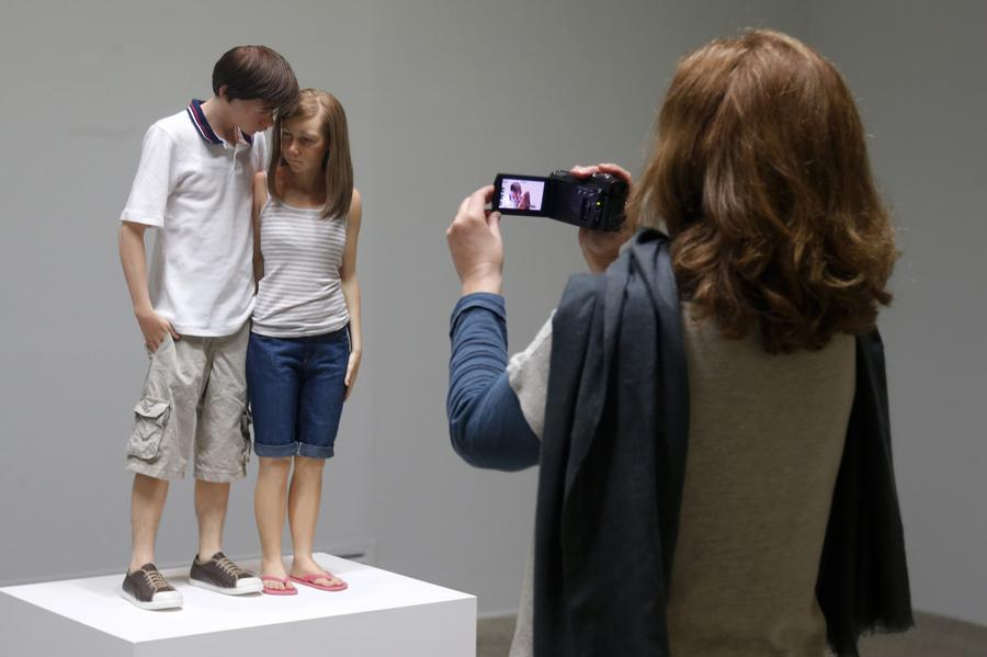 the hyperrealistic sculptures of ron mueck the atlantic