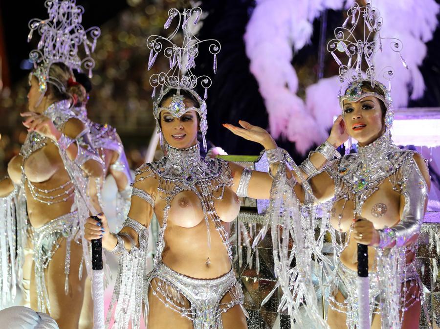 Nude Carnaval 81