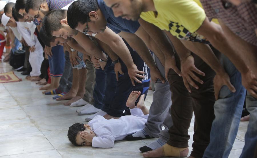 Must see Gaza Eid Al-Fitr Feast - main_900  Pictures_227997 .jpg?1420498527