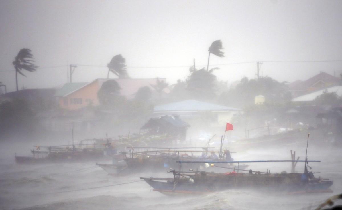 Typhoon Rammasun Slams Philippines The Atlantic