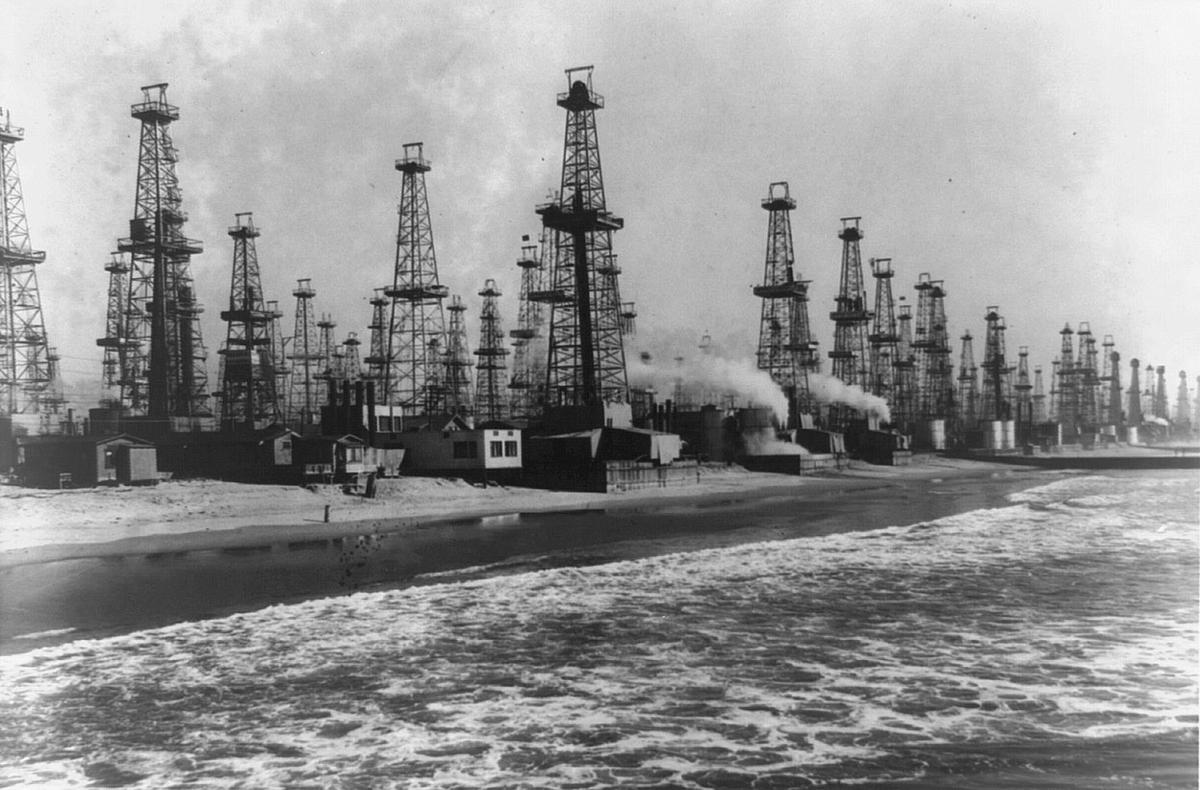 The Urban Oil Fields Of Los Angeles The Atlantic