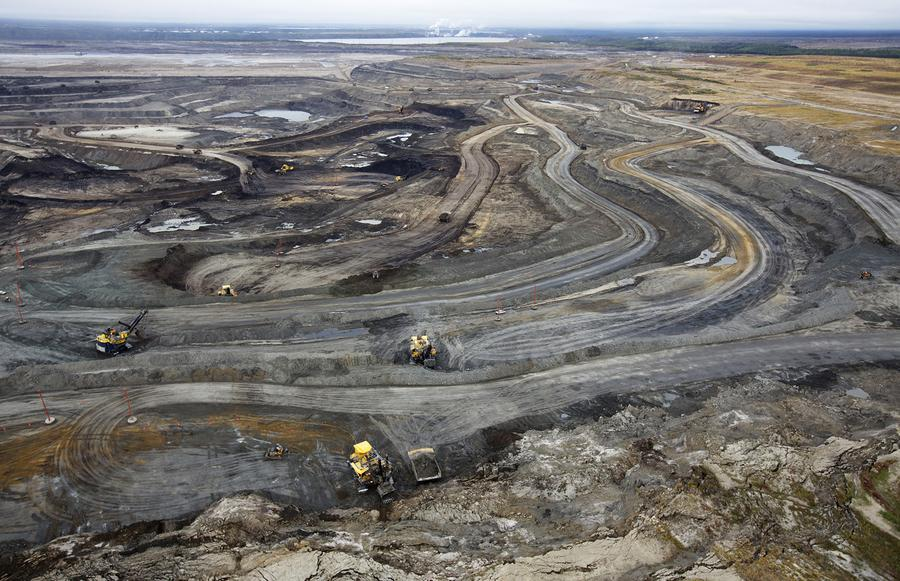 tar sands of alberta Maclean took photos from 1,000 feet above northern alberta's oil operations the tar sands, more commonly referred to in canada as the oil sands, are the world's third-largest petroleum reserve and underlie an area roughly the size of florida.