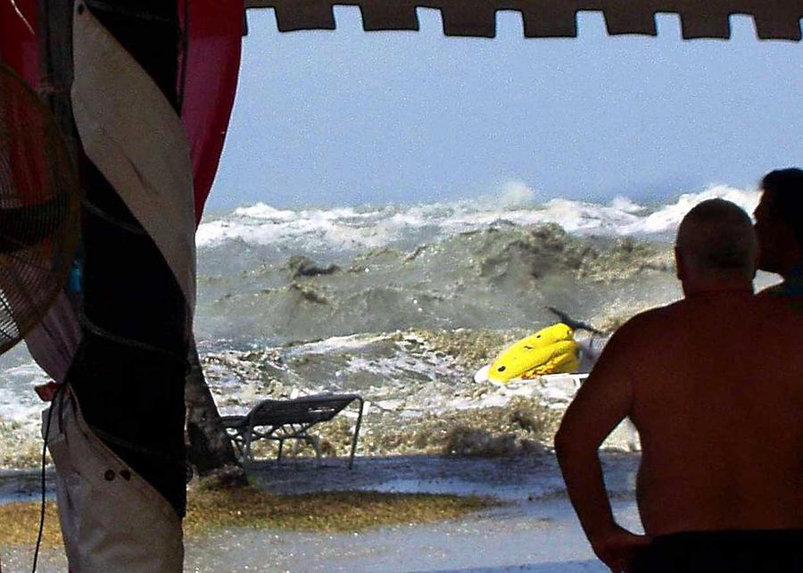 Asian tsunami on tourist effect