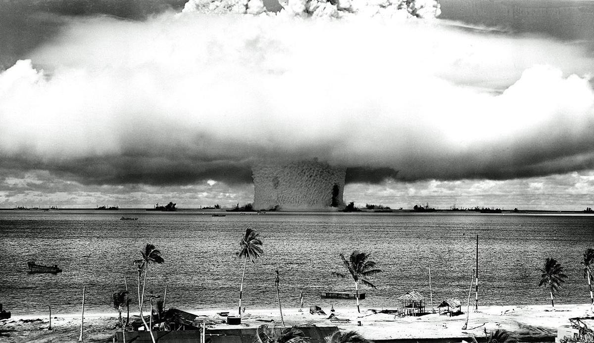 Bikini atol atomic blast