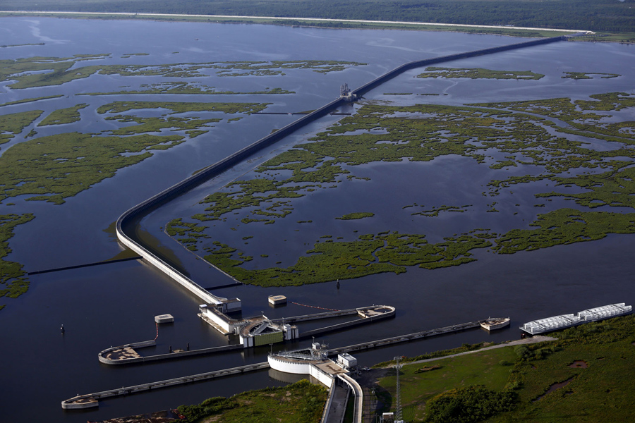 hurricane katrina levee failure essay See why hurricane katrina is the most destructive natural disaster us history, costing between $108 and $250 billion more than any other hurricane.