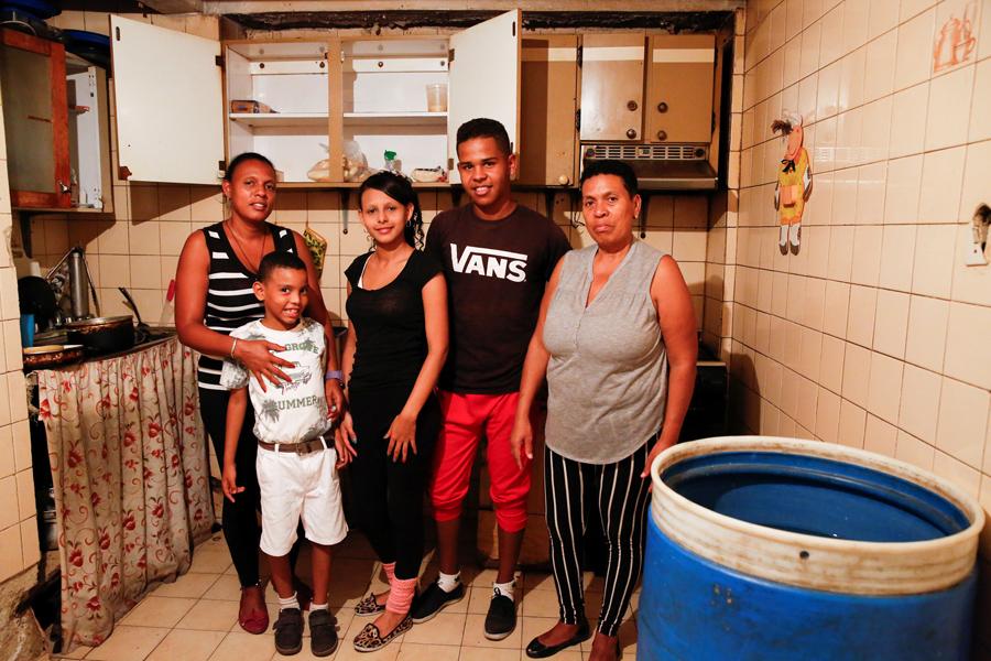 The Empty Cupboards of Venezuela's Families - The Atlantic