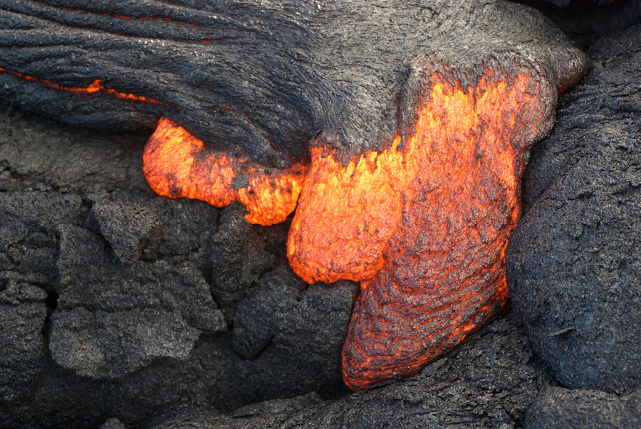 characteristics and results of lava flows Specific results regarding flow morphology include: a) two main lava flow types ( bright, rugged and dark, smooth as observed in ctx images) dominate the.