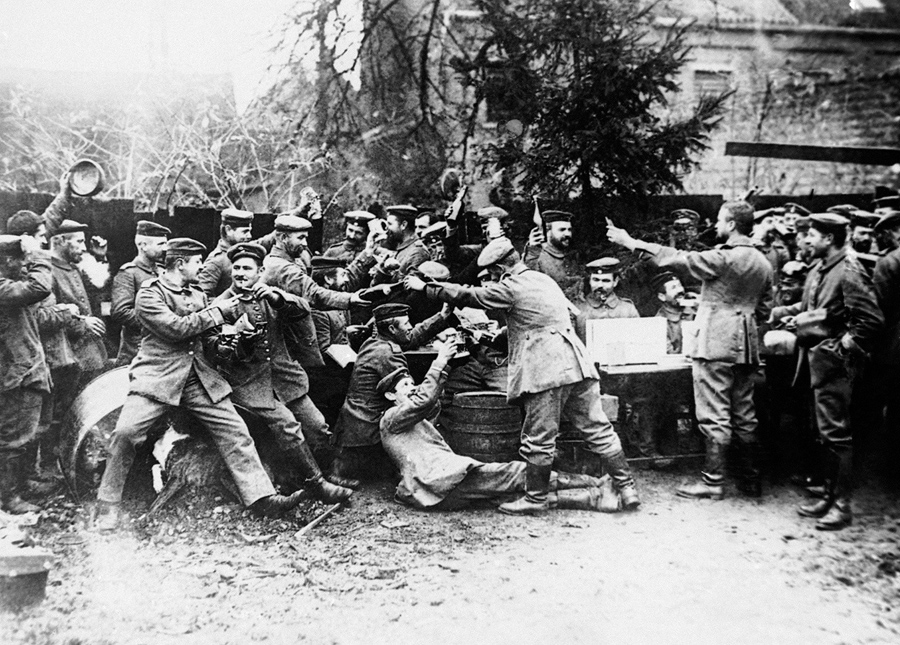an introduction to world war i World war ii was the second global war that lasted from 1939 to 1945 the war involved a majority of the world's countries, and it is considered the deadliest conflict in human history.