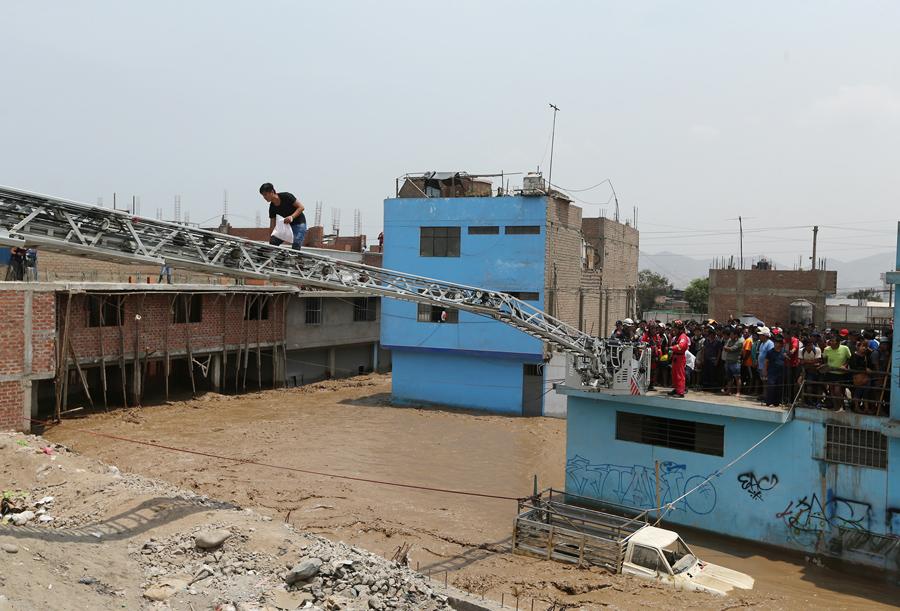 秘鲁遭受十年来最严重的洪水 - wuwei1101 - 西花社