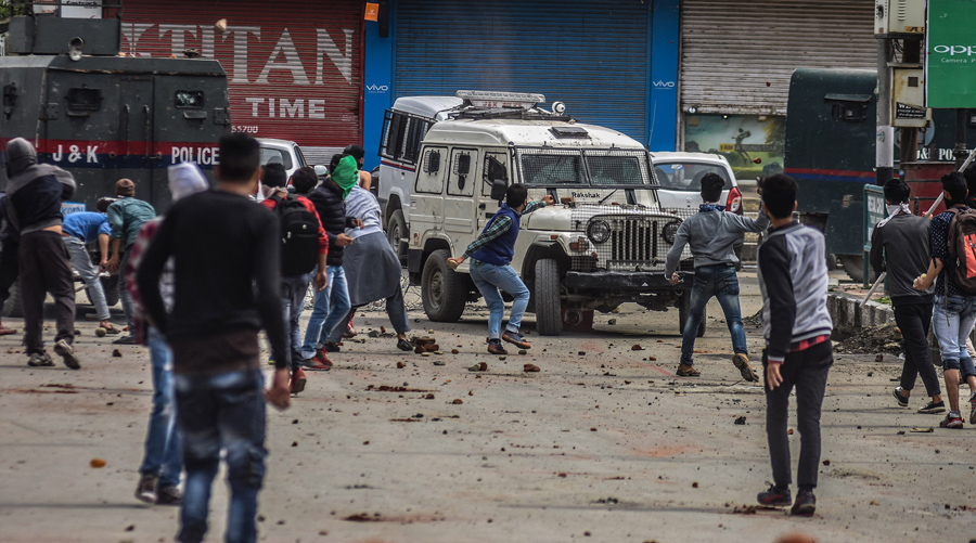 Image result for Protest against Raids, Crackdowns Held in Srinagar