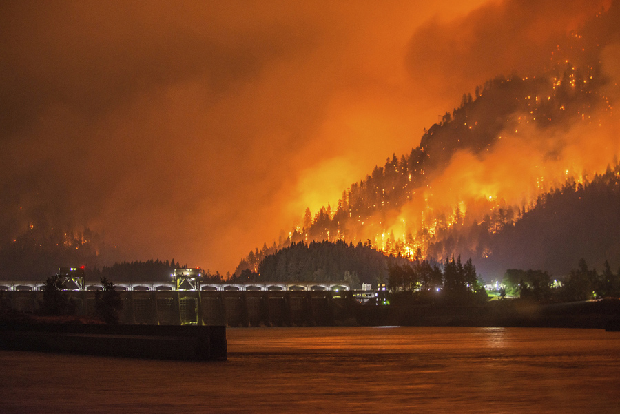 Wildfires Rage Across The American West The Atlantic - Western us fire map