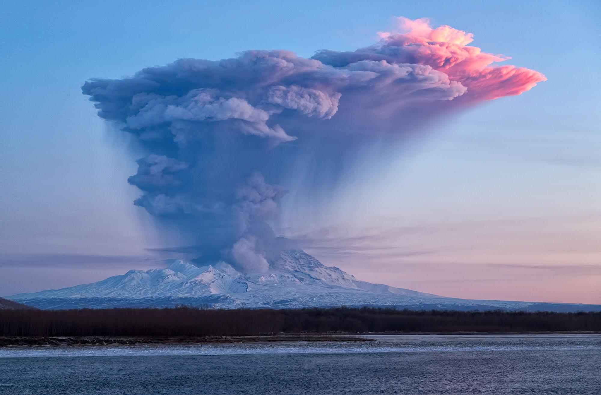 long essay on volcanic eruption